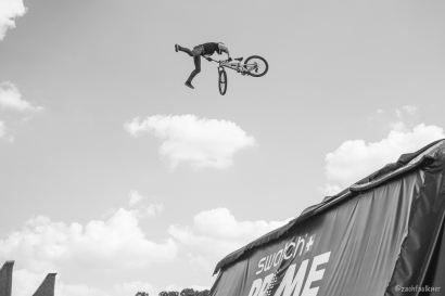 Peat was throwing double-whips like this with precision.