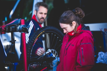 One of the nicest people on the circuit and an all-around talent on a bike, UK racer @katycurd took to pacing about to try and keep warm during the cool Andorran morning.
