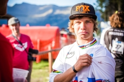 His World Champion jersey was fresh out of the packaging, but @lauriegreenland_ wasn't able to revel is its brand-newness for long, as @gee_atherton accidentally got some blood on it while contratulating him on a job well done...at least it's Champion's Blood...!