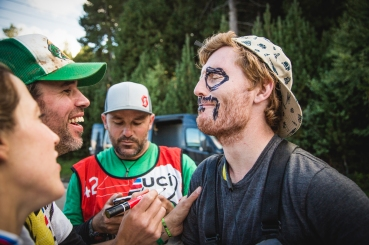 Don't lose a bet with a Squid. @tommyawilkinson learned the hardway that welching on a bet doesn't happen on the World Cup Circuit. @maddogboris presides as the officiator of punishment, while @rachybox checks his work and @svenmartinphoto makes sure to document the shaming.