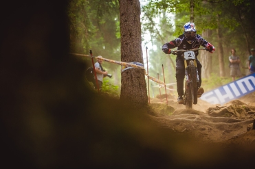 Prediciting how Aaron Gwin will do in Finals base on the preceeding days of riding is kind of like predicting mountain weather: you have no idea what you're gonna get until is already happening. 6th in seeding, but honestly, who knows because he was the fastest rider past me...
