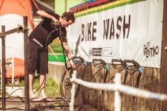 Jason Marsh cool off a wheel. Or washing it. Whatever.