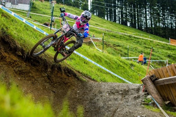 I am a fan of Tracey's aggro riding style. In Leogang she was really on form, and that shows here.