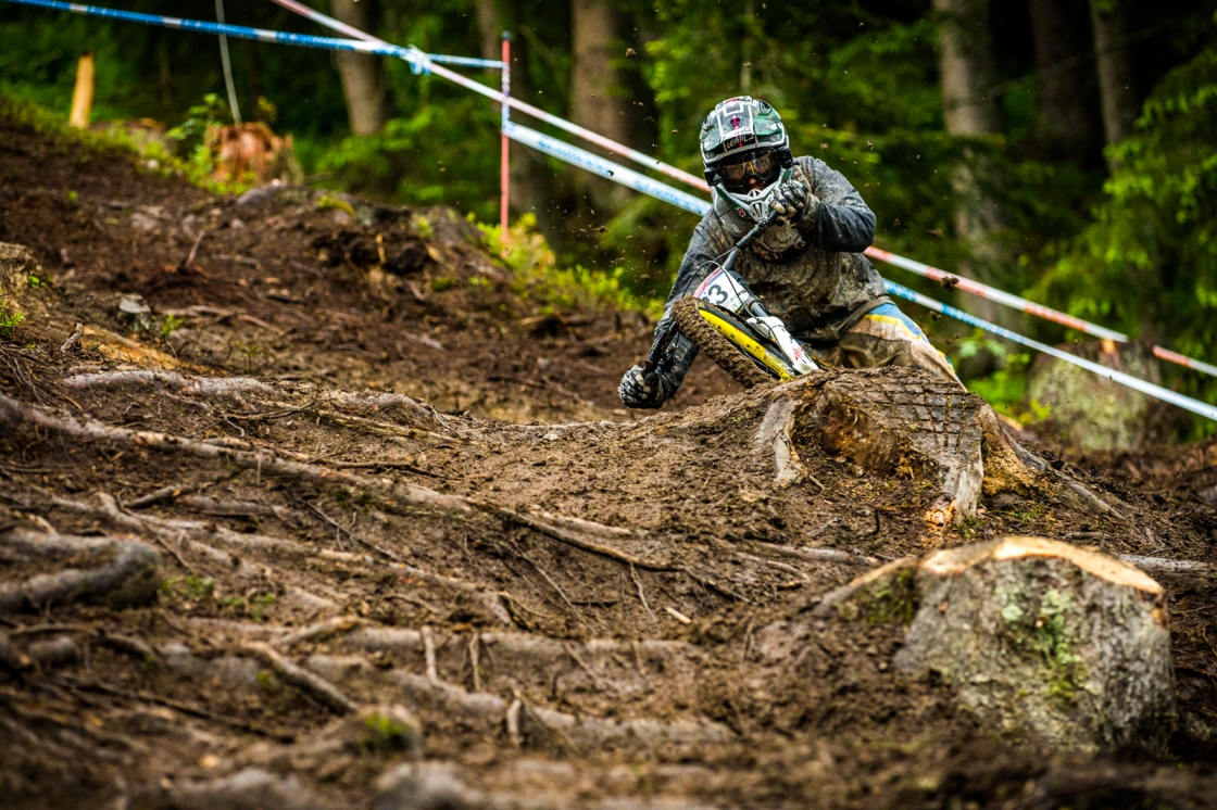 I'll just leave the caption I wrote here as to why I dig this shot: No, this is not a crash. This is Mike Jones oblitherating a corner and riding it out. Rugged. 3rd place qualifier, and looking capable of sustaining this level of rowdiness.